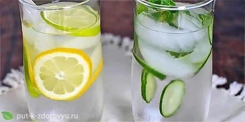 Детокс-напитки: лимон, огурец