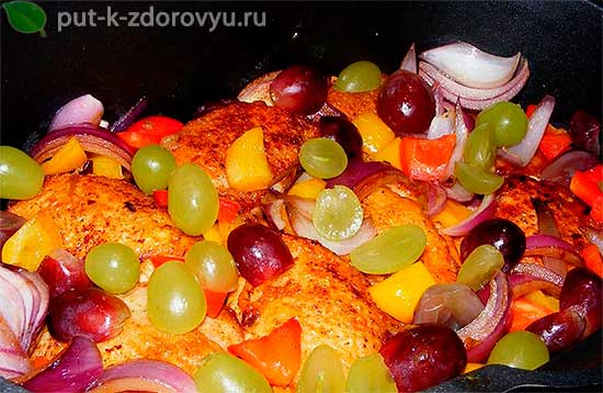 Горячее блюдо из курицы.Курица с виноградом по-французски.