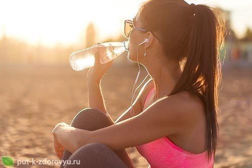 Детокс-вода помогает с потерей веса