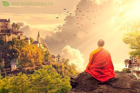 Утренняя медитация буддийского монаха.